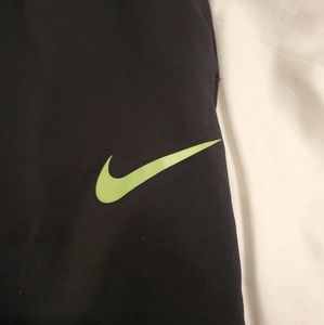 Nike Pants & Jumpsuits - Nike Therma Fit Womens Large Black Pants.